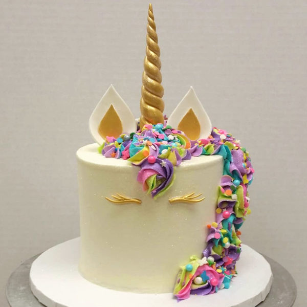 Single tier unicorn cake