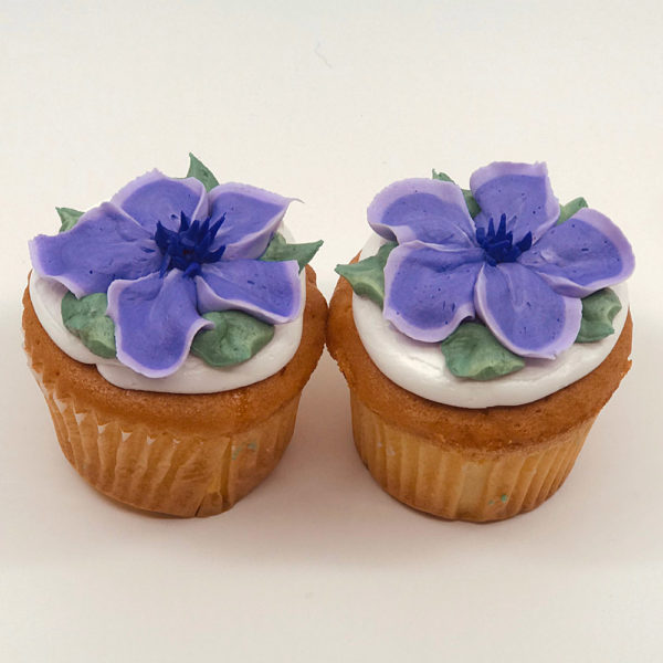Lucy 2 toned fantasy flower cupcake