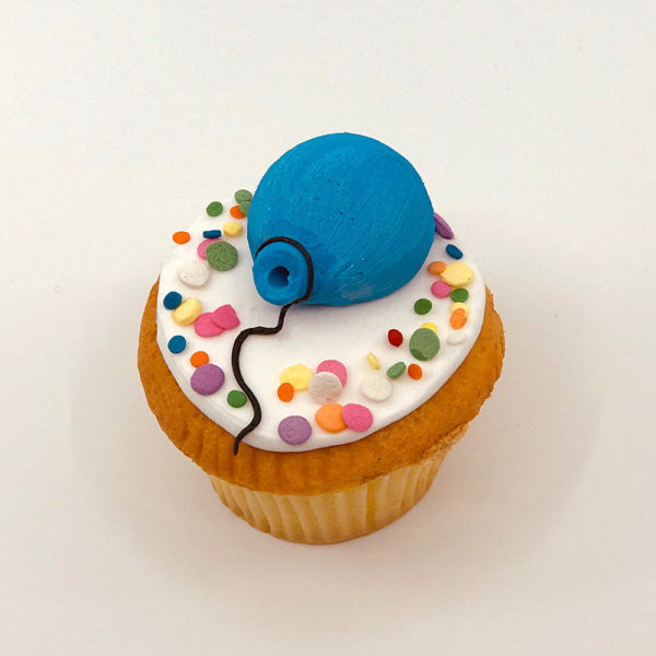 Single balloon cupcake