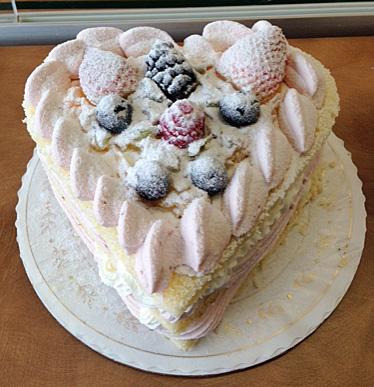 Mixed Fruit and cream heart cake