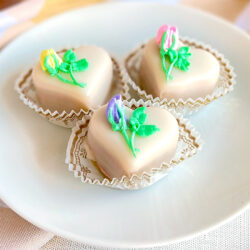 Flower bud petit fours